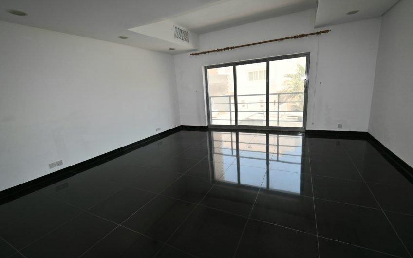 An Elegant Duplex in Salwa