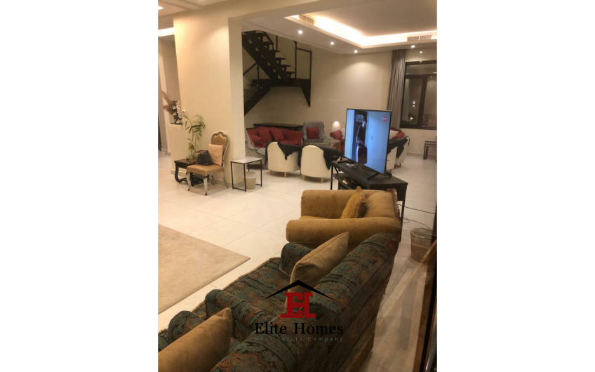 Big Luxurious Chalet by the Beach in Khairan