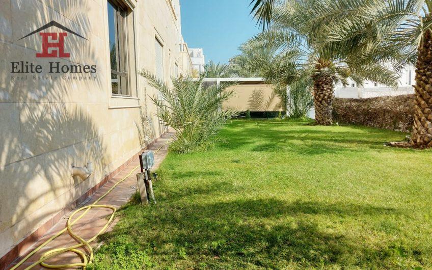 Elegant & Spacious Duplex in Funaitees with Private Garden