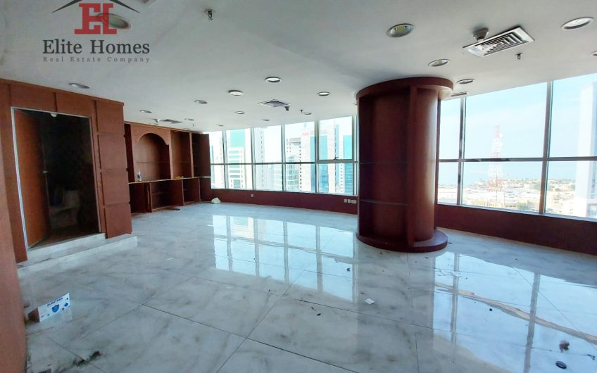 Commercial Floor in Kuwait City with Sea & Street View