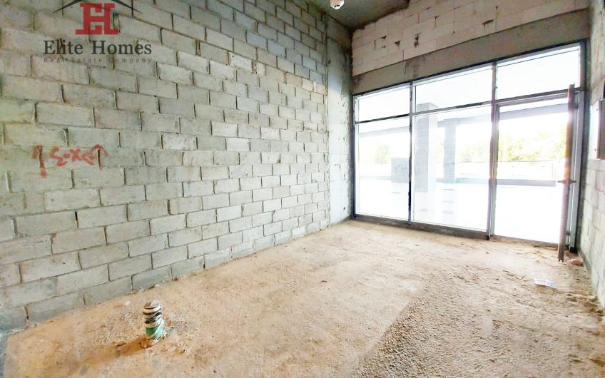6 Shops for Rent in Salmiya with Front Yard